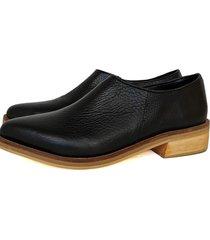 zapato negro miye collazo amanecer