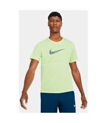 camiseta nike breathe wild run masculina