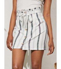 yoins minifalda con botones delanteros con diseño de cinturón a rayas blancas