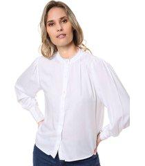 camisa blanca odas puntilla