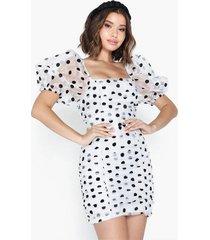 glamorous puffy sleeve organza dot dress fodralklänningar