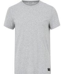 t-shirt tee centre