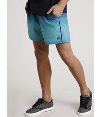 short masculino estampado degradê com bolsos verde