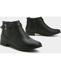 womens runaway love faux leather bootie - black