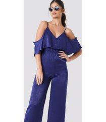 na-kd cold shoulder flounce jumpsuit - blue