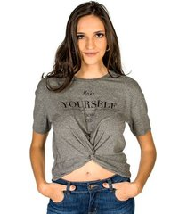 t-shirt yourself colcci