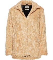 minimal. outerwear faux fur beige tiger of sweden jeans