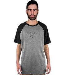 camiseta manga curta raglan skate eterno assinatura cinza/preto - kanui