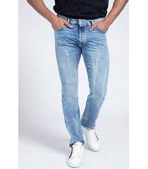 denimowe spodnie fason slim