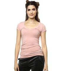 camiseta rosada ambiance