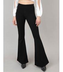 calça feminina flare em malha preta