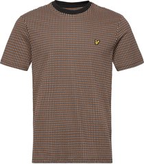 retro repeat t-shirt t-shirts short-sleeved brun lyle & scott