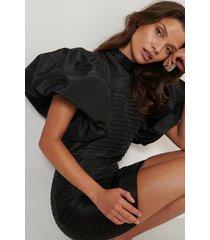 na-kd art balloon sleeve mini dress - black