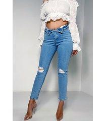 akira twist me boyfriend jeans