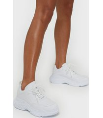 nly shoes perfect chunky sneaker low top vit