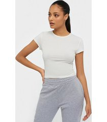 nly trend perfect cropped tee t-shirts vit