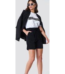 trendyol high belted shorts - black