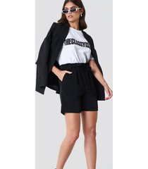 trendyol high belted shorts - black