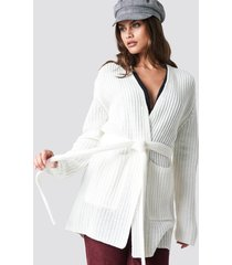 na-kd belted cardigan - white
