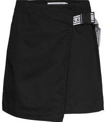 buckle logo strap skirt kort kjol svart calvin klein jeans