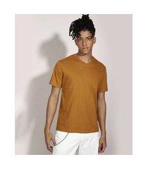 camiseta básica manga curta gola v marrom