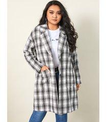 abrigo de manga larga con bolsillos laterales a cuadros con cuello de talla grande yoins