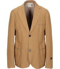 montedoro red suit jackets