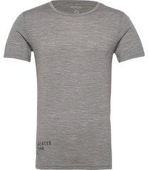 gta curve wool tee crew t-shirts short-sleeved grå greater than a