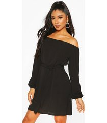 off shoulder belted shift dress, black