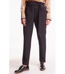 czarne spodnie z paskiem sao