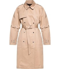 coat with detachable sleeves