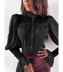 blusa de mangas de linterna de patchwork de encaje negro