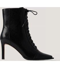 na-kd shoes boots med snörning och fyrkantig tå - black