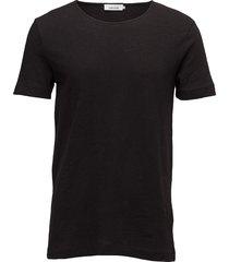 huso o-n ss 5556 t-shirts short-sleeved svart samsøe samsøe