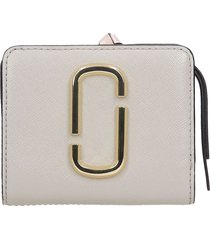 marc jacobs wallet in taupe leather