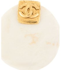 chanel pre-owned 1996 spring stone cc brooch - white