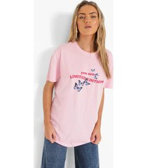 oversized limited edition t-shirt, pale pink