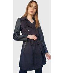 chaqueta io impermeable negro - calce ajustado