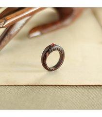 pierścionek z drewna wenge z karneolem