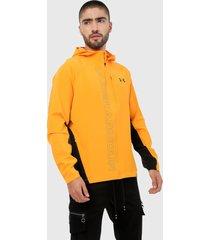 chaqueta naranja-negro under armour qualifier outrun the storm