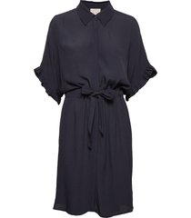ariana shirt dress boozt knälång klänning blå minus