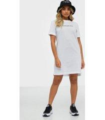 calvin klein jeans institutional t-shirt dress loose fit dresses