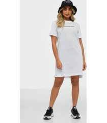 calvin klein jeans institutional t-shirt dress loose fit dresses