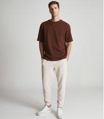 reiss tate - garment-dye oversized t-shirt in rust, mens, size xxl