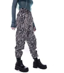 pantalón animal print kabra kuervo spirit