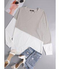 camiseta gris con dobladillo con abertura y patchwork cuello camiseta de manga larga