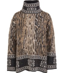 woman animalier sweater