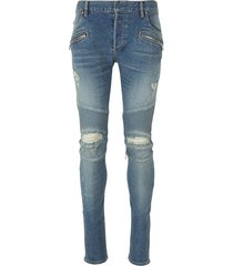 skinny jeans with ripped knees