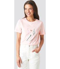 na-kd art t-shirt - pink