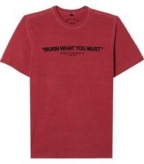 camiseta john john must burn masculina (red dahlia, gg)